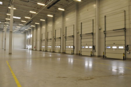 Warehouse space with 28 docks for rent in Stryków Poland