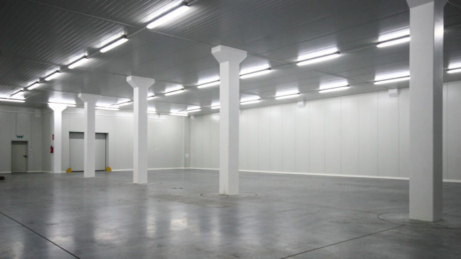 High storage warehouse with cold room and cross-dock unit to lease Jaworzno